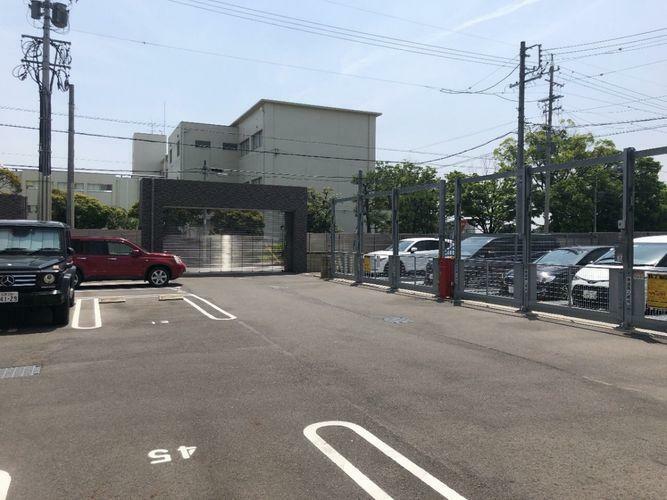 敷地内駐車場 平面駐車場です。