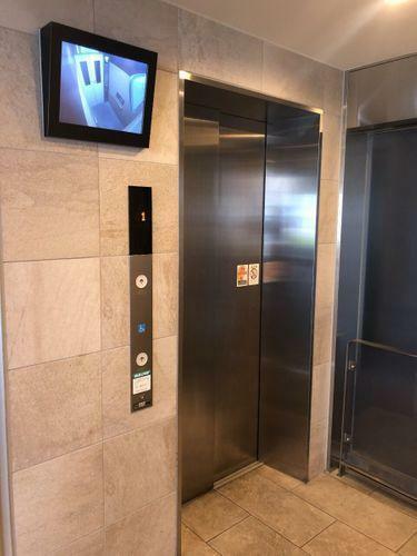 マンションのエレベーターです。