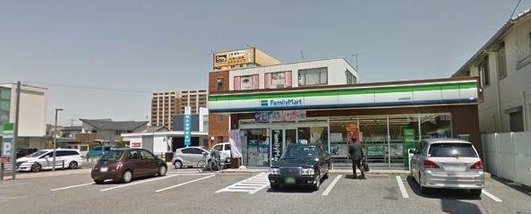 コンビニ ファミリーマート刈谷若松店 徒歩1分。