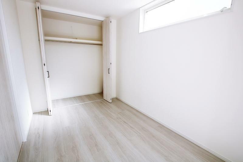 同仕様写真(内観) 施工事例です。全室収納完備で居住スペースを有効に使える間取りです。