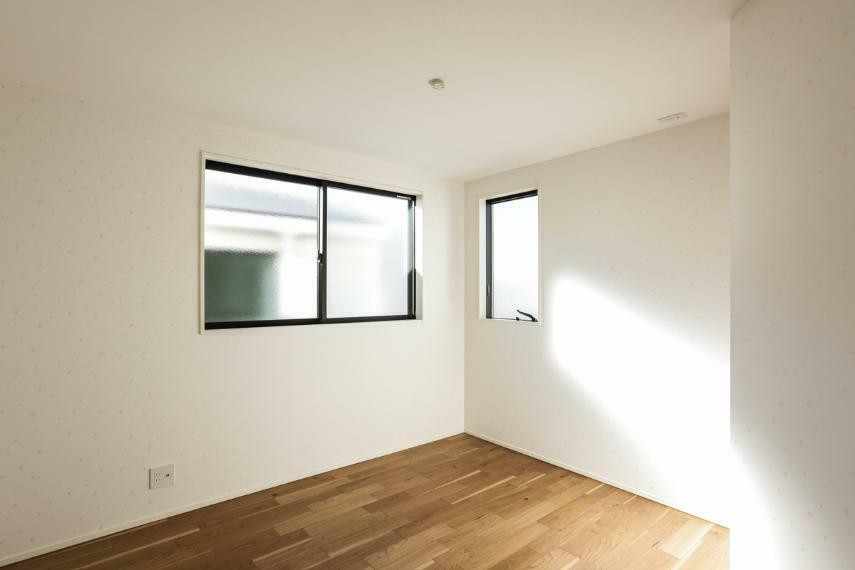 洋室 全洋室2面採光で日当たり・風通し良好です。(7号棟)