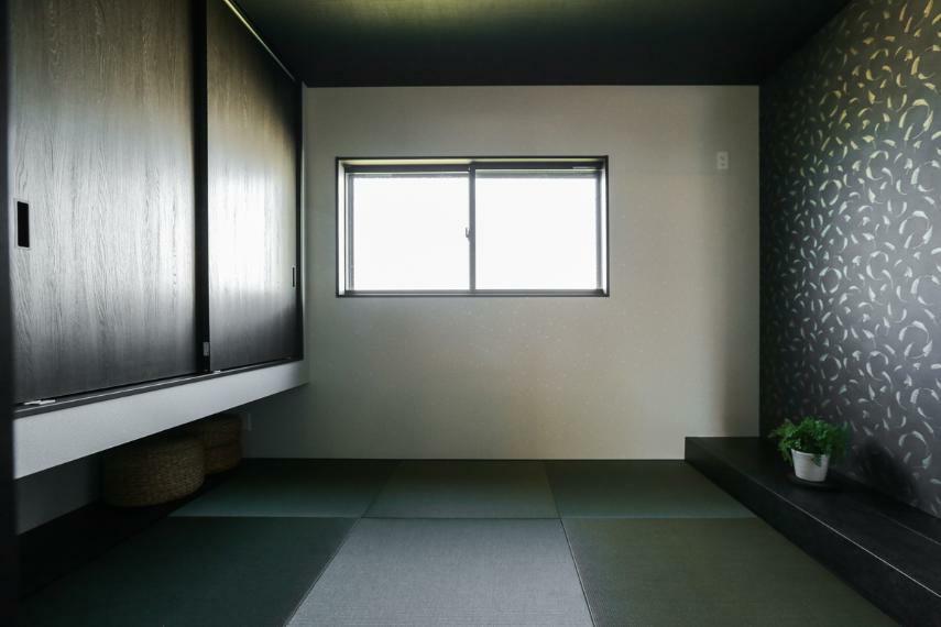 和室 キッチン横には親の目が届きやすい子供の遊び場にもなる和室を設置。(7号棟)