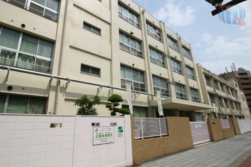 小学校 【小学校】大阪市立塩草立葉小学校まで605m