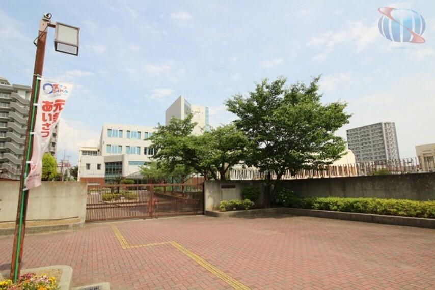中学校 【中学校】大阪市立難波中学校まで831m