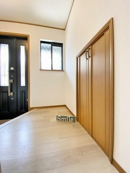 収納 廊下の納戸は季節物や各居室の収納を助けてくれます