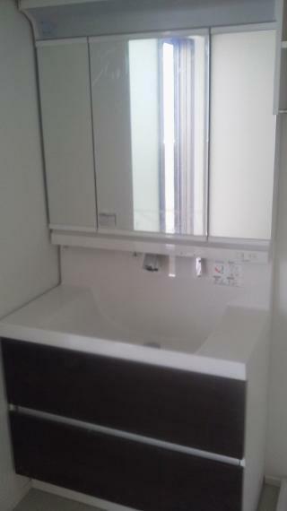 洗面化粧台 シャンプードレッサー