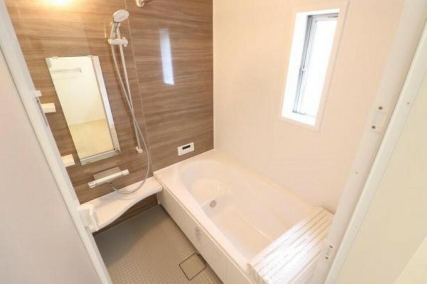 浴室 (浴室)大きな浴室でお子様とのバスタイムもお楽しみいただけます^^