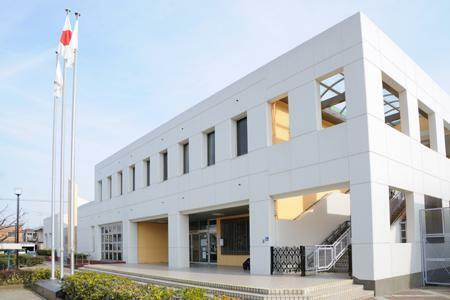 図書館 三郷市コミュニティセンター図書室 埼玉県三郷市戸ヶ崎2-654