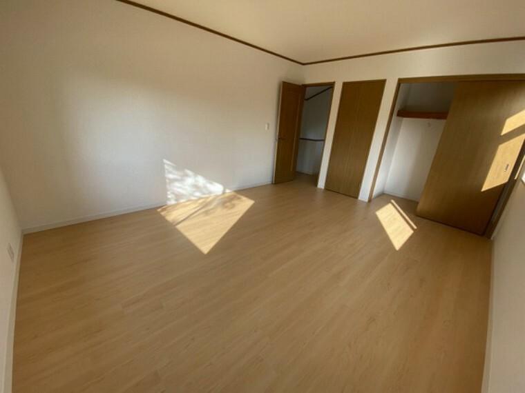 専用部・室内写真 【2階洋室10畳】