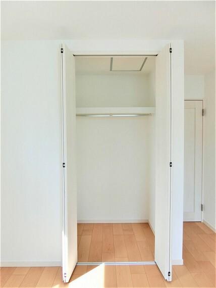 収納 クローゼットがございますので、お部屋がすっきり片付きますね。