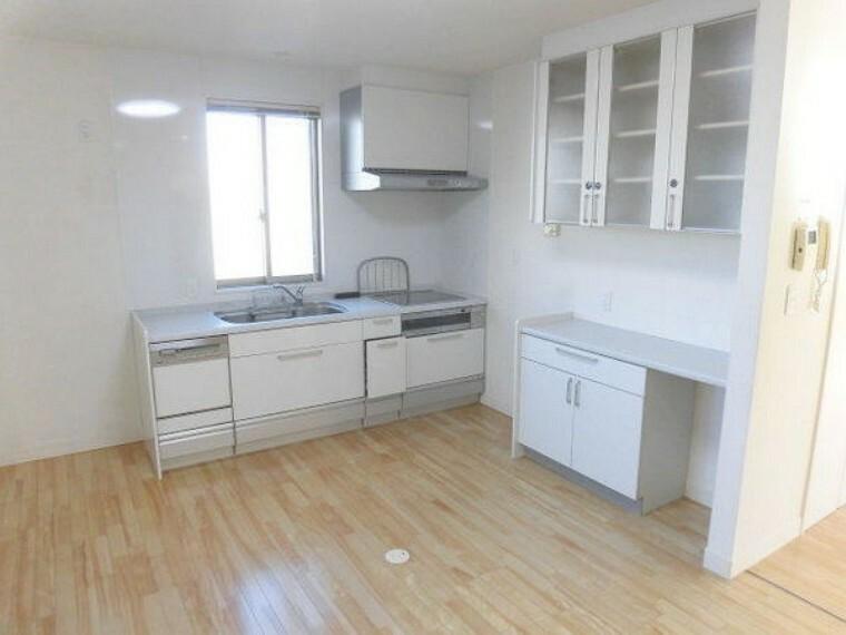 キッチン 広々としたキッチンスペース