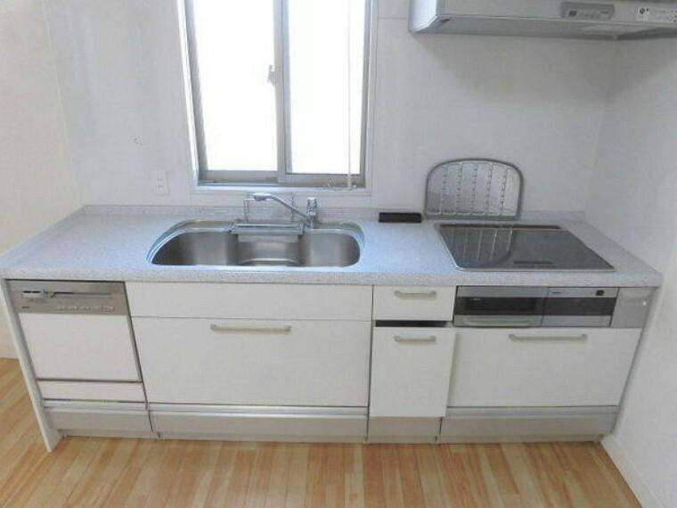 キッチン IHクッキングヒーター、食洗器付きキッチン