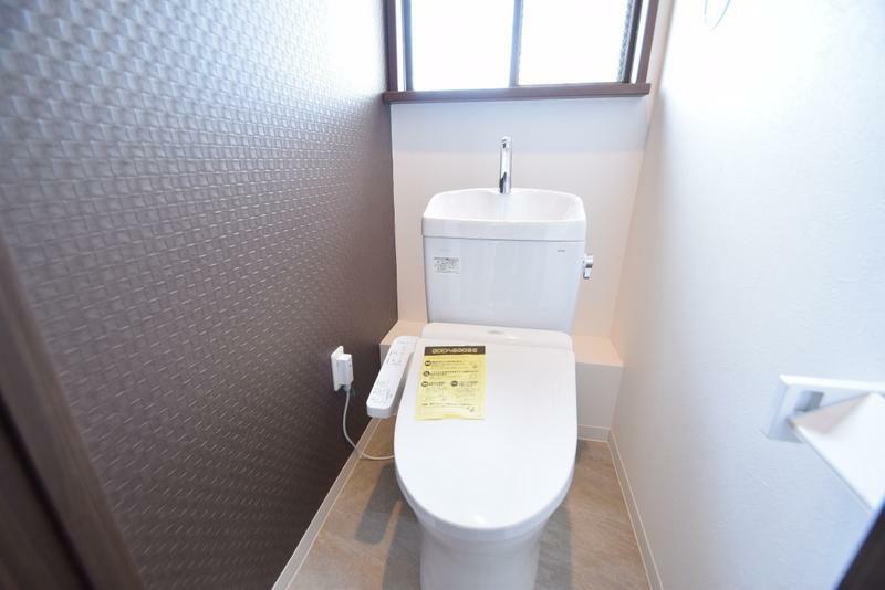 トイレ 温水便座2階