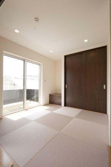 同仕様写真(内観) こだわりのモダンテイストな和室にされてみるのはいかがでしょう。