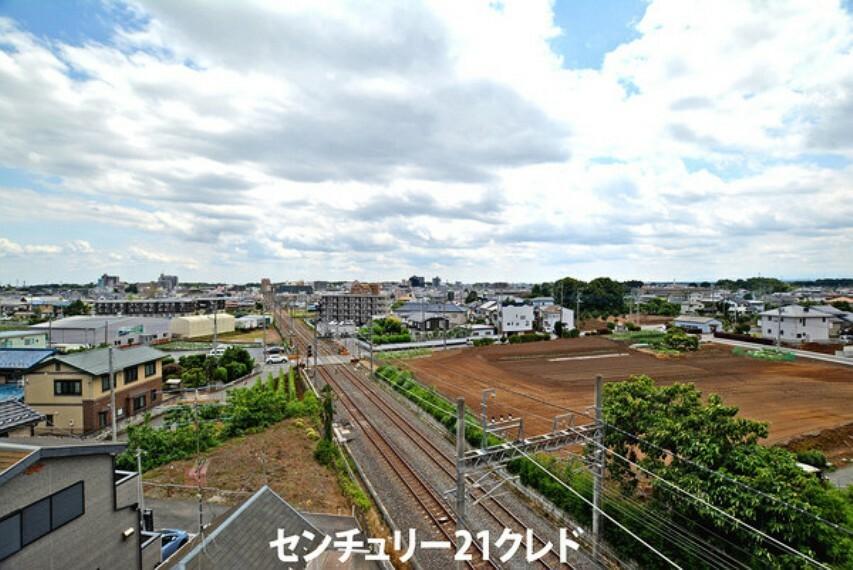 眺望 高い建物がなく眺望は良好です!気持ちよい青空の下で住宅街の穏やかな日々が望めます!