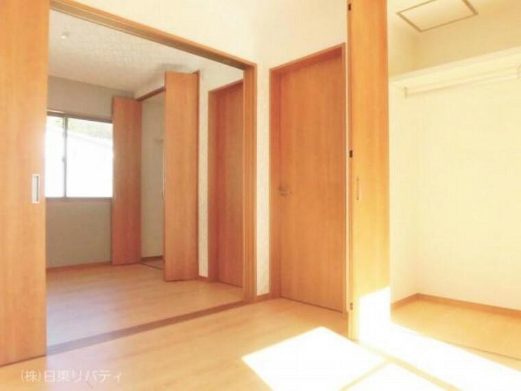 寝室 2階の洋室は使い方に合わせて間仕切ることが可能です。