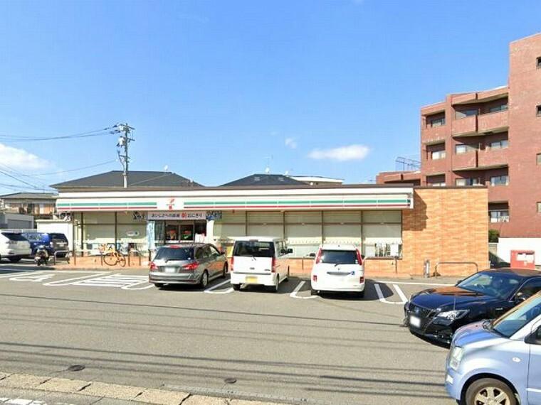 コンビニ 【コンビニエンスストア】セブンイレブン福岡高宮西店まで1010m