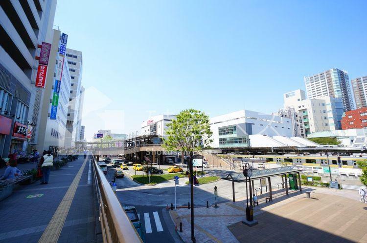 三鷹駅(JR 中央本線) 中央特快停車駅、総武・東西線は始発で座れる便利な「三鷹」駅。電車の発車メロディは、三鷹ゆかりの作曲家「めだかの学校」が採用されています。