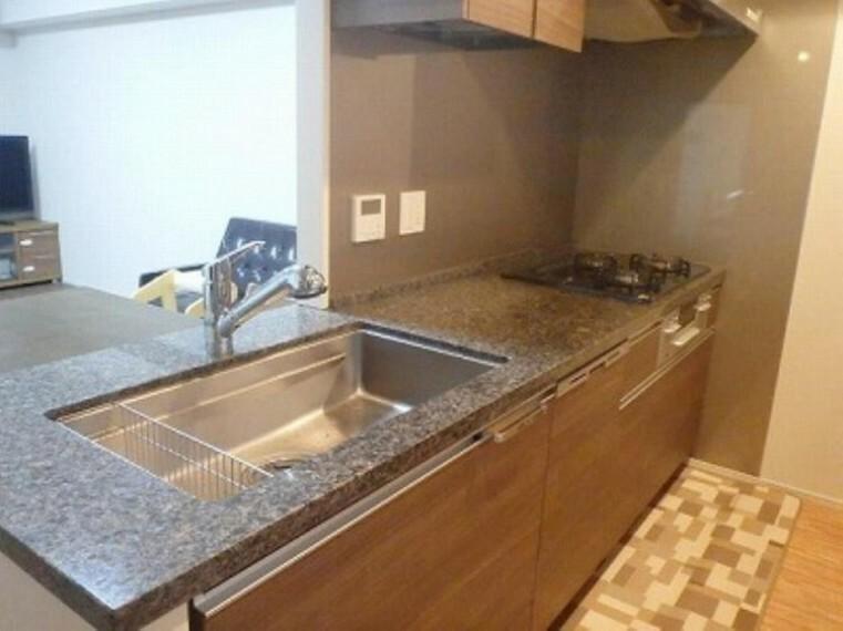 キッチン ■ディスポーザー、食洗機もついてます!高機能でオシャレなキッチンです!