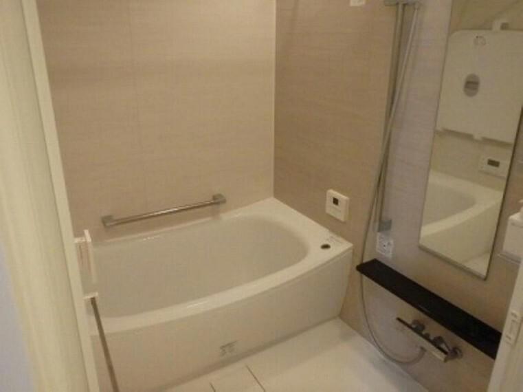 浴室 梅雨時や冬場も安心!浴室乾燥機付き