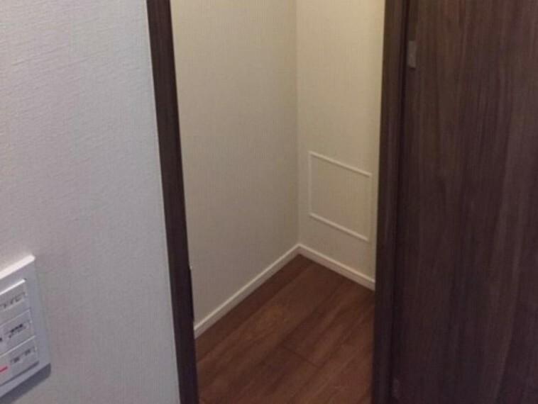 収納 廊下には納戸付き