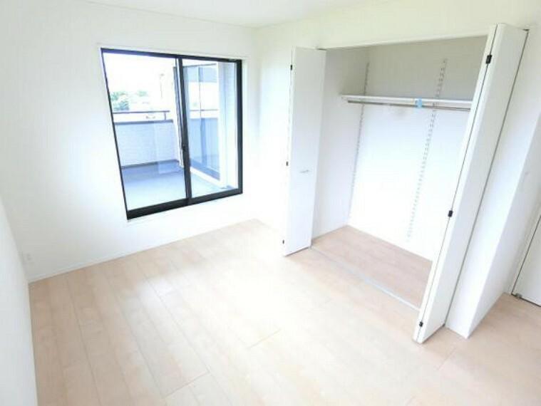 収納がございますので、居室スペースを有効にご利用頂けます。