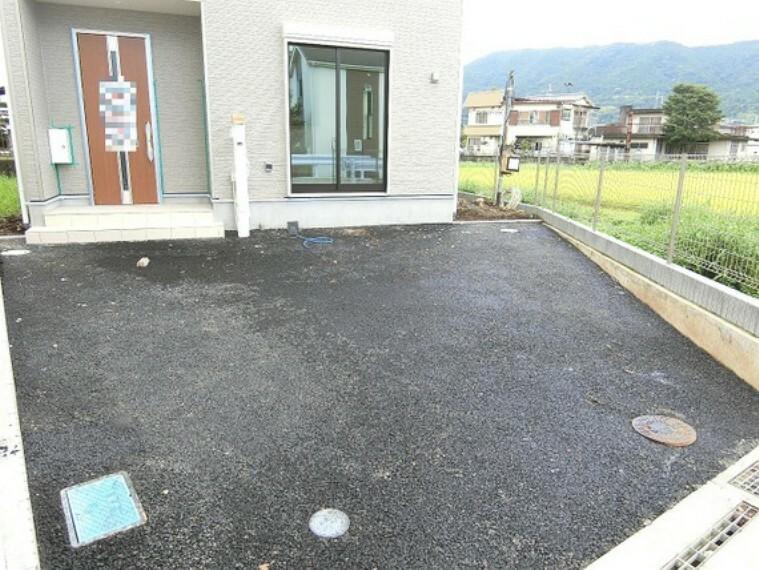 カースペースは2台駐車可能です。