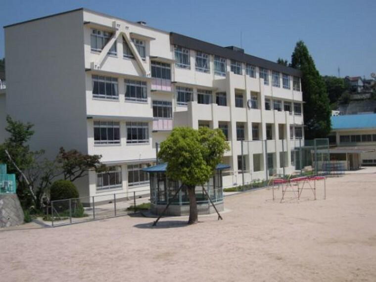 小学校 広島市立己斐小学校