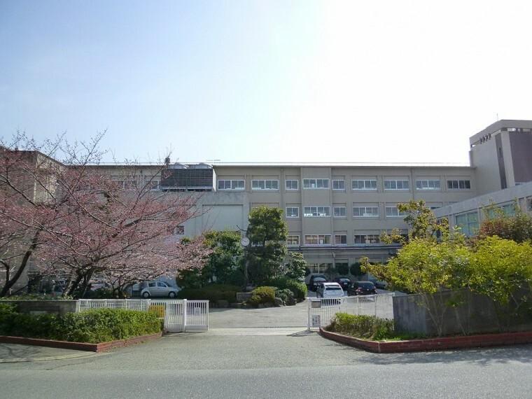 中学校 【中学校】宝塚市立 宝塚中学校まで2140m