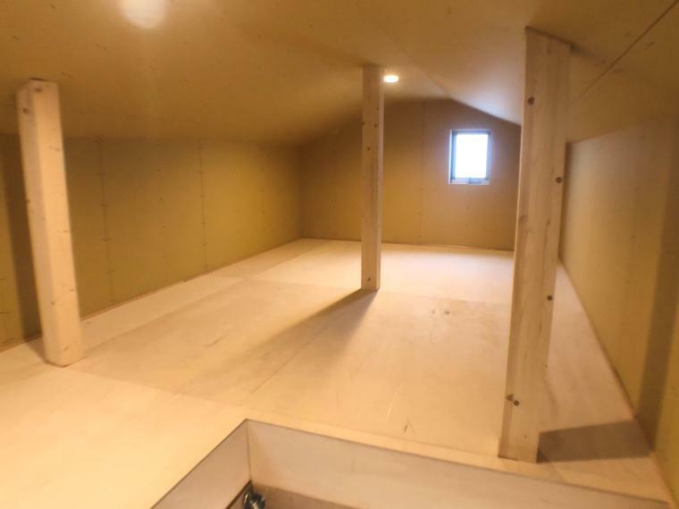 収納 天井収納庫