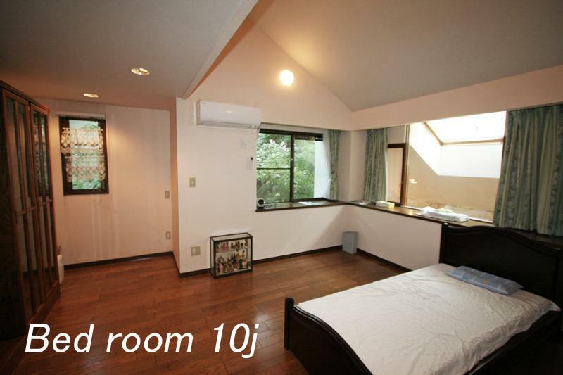 寝室 2階寝室約10帖
