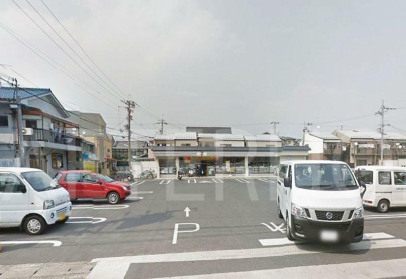 コンビニ セブンイレブン京都梅津店 約370m