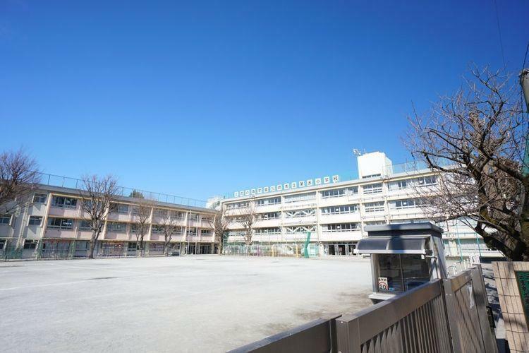 小学校 三鷹市立第五小学校 徒歩12分。