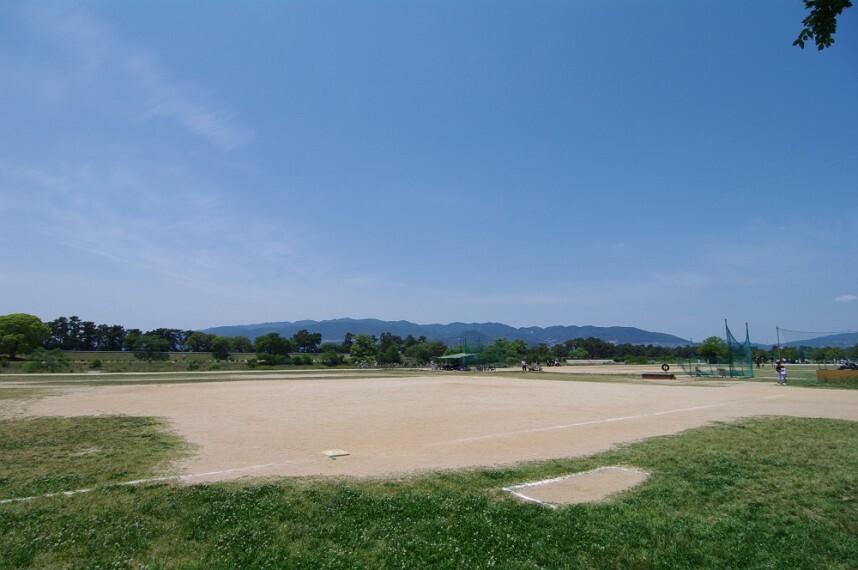 公園 【公園】武庫川河川敷緑地まで594m