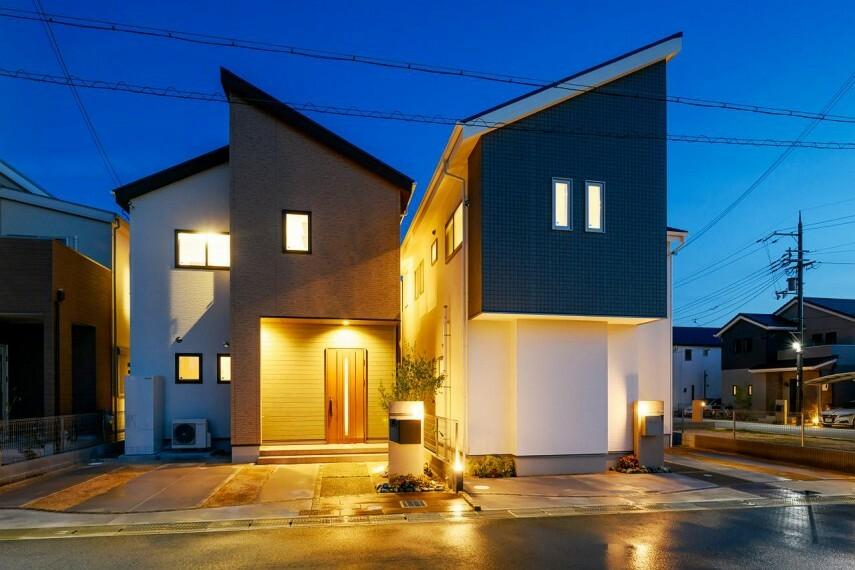 現況写真 【当社施工例】「なら燈花会」をイメージした灯りの街計画 住人たちをやさしく迎える庭先のガーデンライト。家路に着くとほっとできる、心あたたまる街。
