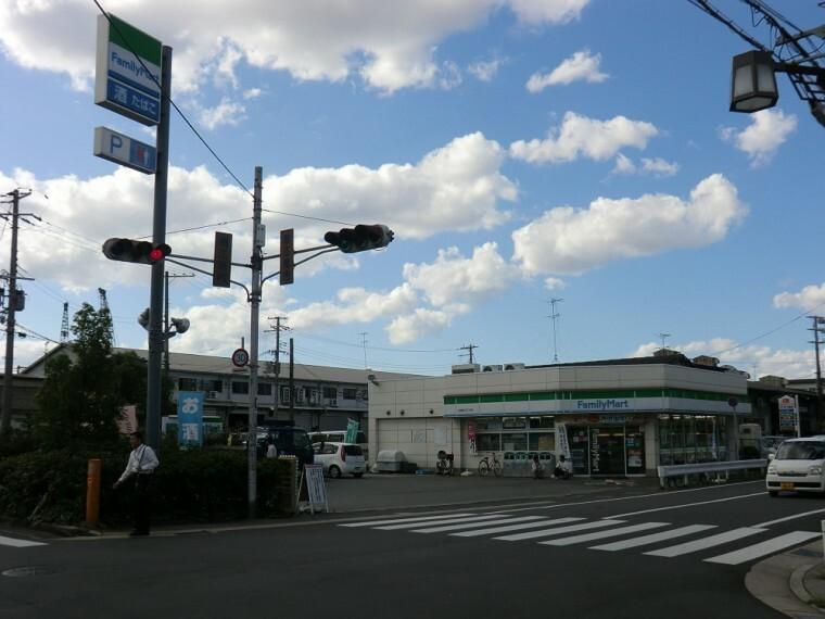 コンビニ 【コンビニエンスストア】ファミリーマート 尼崎潮江四丁目店まで491m