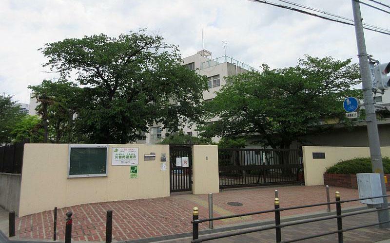 小学校 大阪市立横堤小学校まで520m