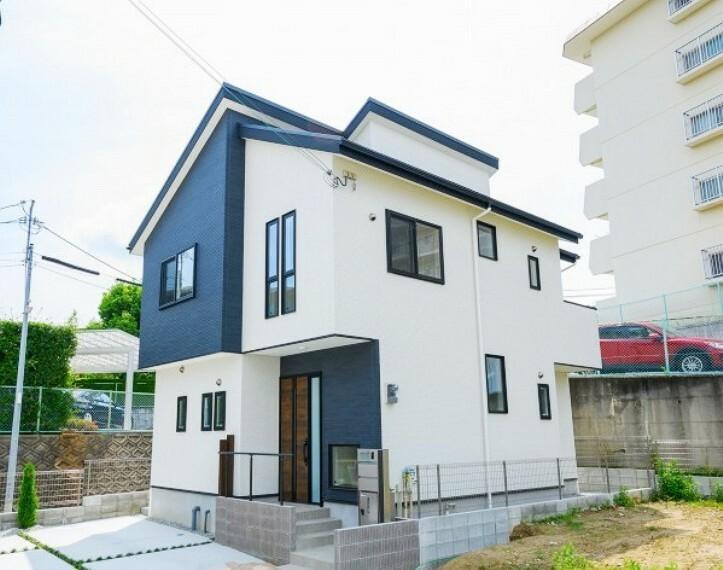 現況写真 【モデルハウス14号地 外観】2階リビングと繋がるロフトのある多機能な家