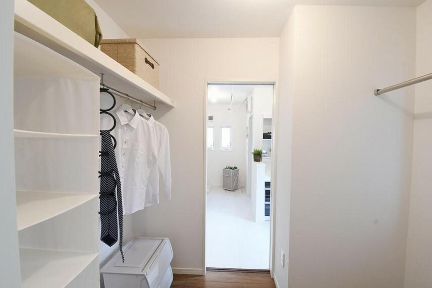 参考プラン間取り図 【モデルハウス14号地 ウォークインクローゼット】寝室からウォークインクローゼットを抜けると洗面室に繋がります。忙しい朝の身支度もスムーズです。