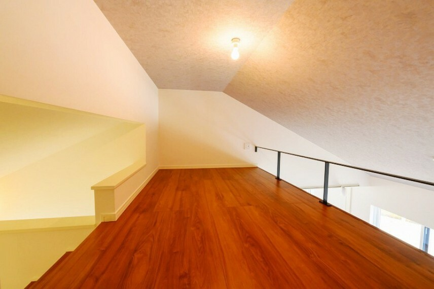 参考プラン間取り図 【モデルハウス14号地 ロフト】2階リビングを勾配天井にすることで、天井が高くとれ、そこにつながるロフトを作りました。家族とのつながりを持ちつつ趣味などのスペースとして活用していただけます。
