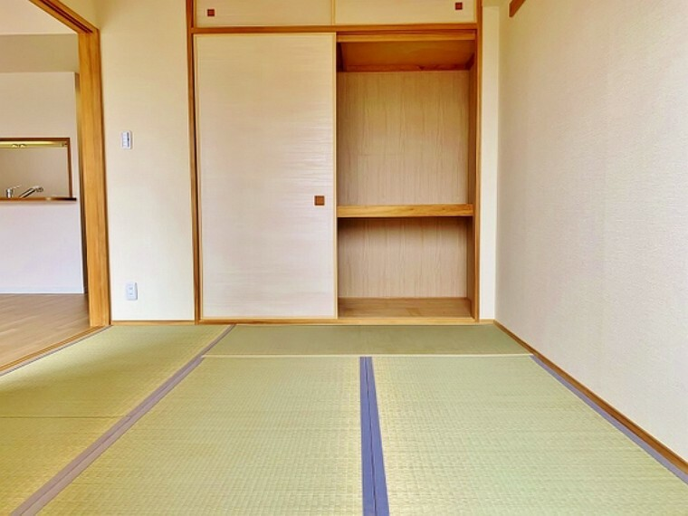 日本で生まれた世界に誇る文化の一つ、和み室がある幸せを満喫して頂けます。お子様の遊び室から客間としてまで、多様なシーンに対応できます。