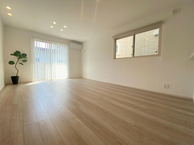 居間・リビング 明るい開放感のあるリビング