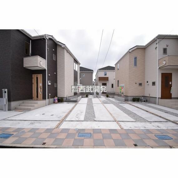 駐車場 カースペースは車種により2台可能です。自転車置場にしたりプランターを置いたり、使い方は工夫次第です!