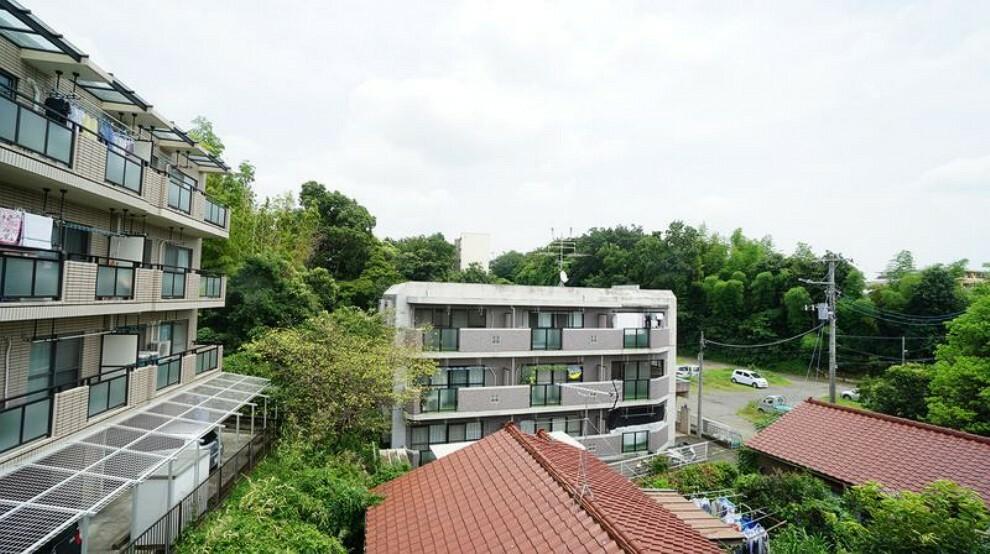 眺望 3階洋室7帖からの眺望です。閑静な住宅街を望みます。