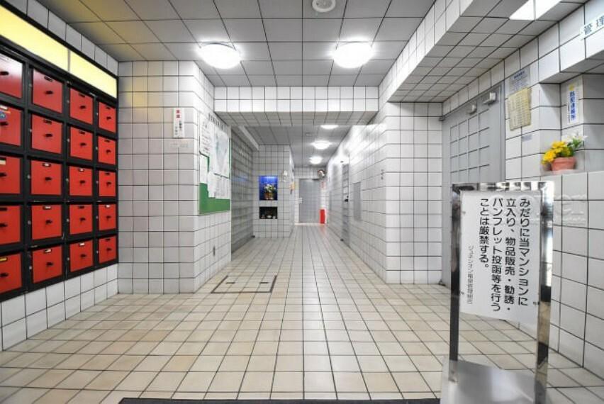 エントランスホール 集合ポスト エレベーター