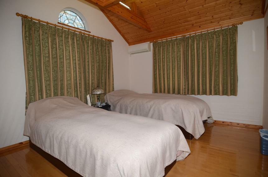 寝室 主寝室