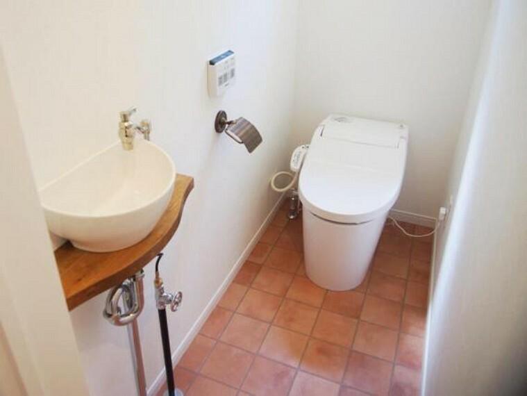 トイレ 快適にお使い頂けるシャワートイレです。