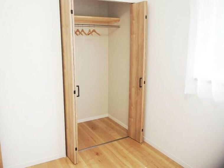 収納 こちらのお部屋もクローゼット付きです。