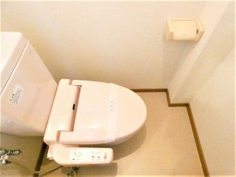 トイレ 快適なシャワートイレで、うれしいですね。