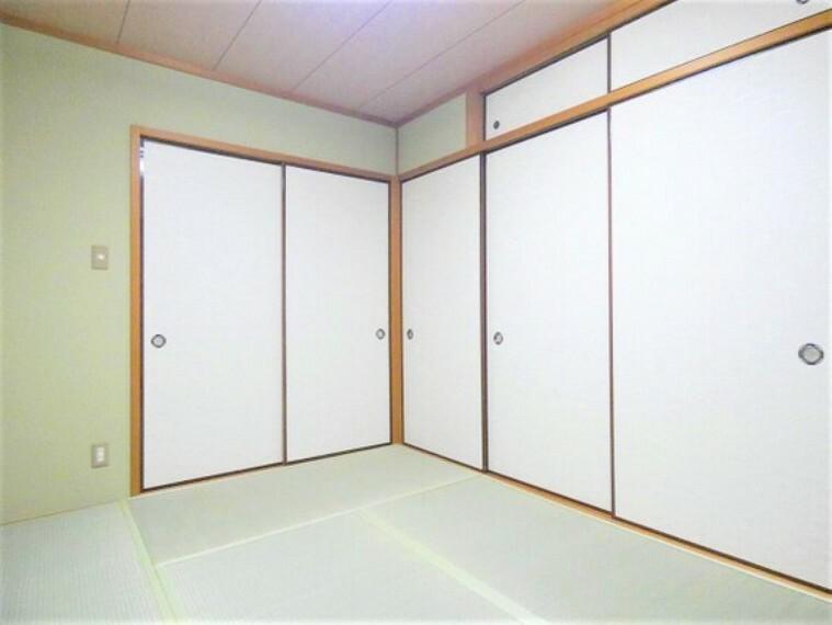 専用部・室内写真 約6帖の和室です。畳のお部屋は寛げる空間ですね。